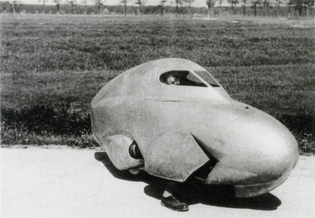 The 1958 streamliner showing the leg-portholes for low-speed takeoff